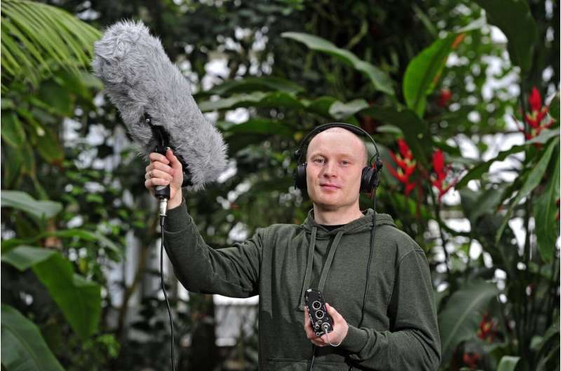 Bird call app downloaded one million times worldwide -- now available for IOS devices