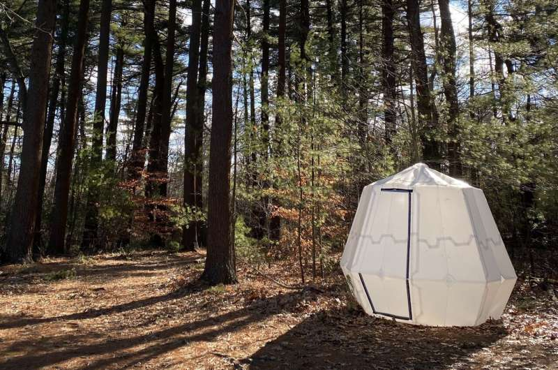Bistable pop-up structures inspired by origami