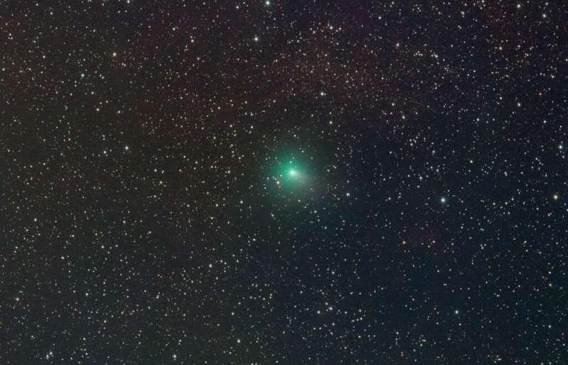 Catch comet R4 ATLAS as it nears Earth