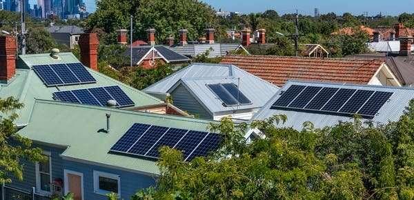 Periksa kaca spion Anda: 3 hal yang dapat diajarkan solar rooftop kepada kami tentang peluncuran mobil listrik Australia