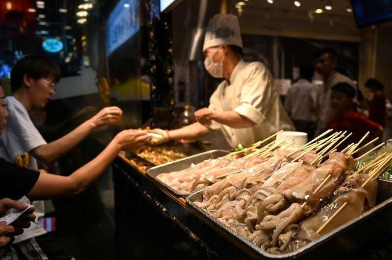 China reels in as much as 70 percent of the global squid catch