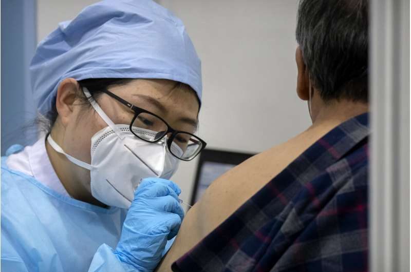 China builds hospital in 5 days after surge in virus cases thumbnail
