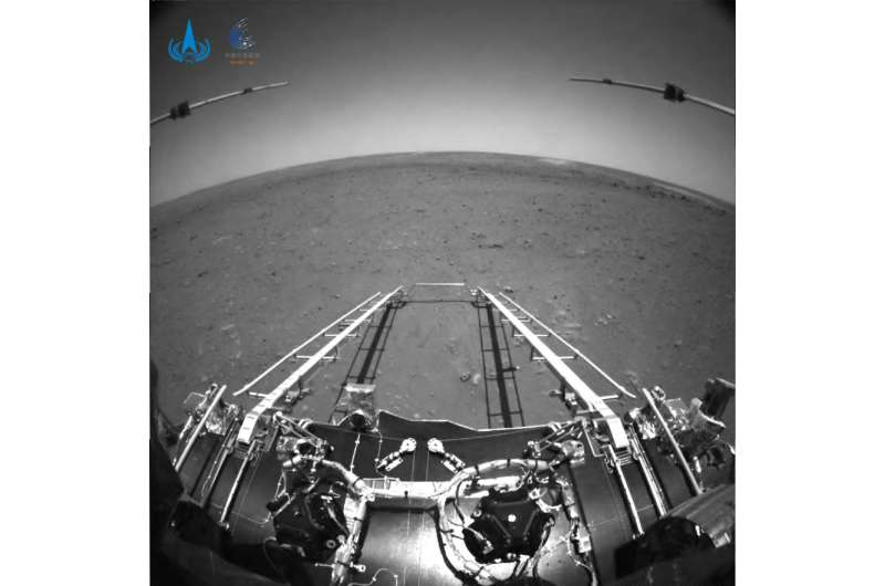 China's Mars rover starts roaming the Red Planet Chinas-mars-rover-touc-2