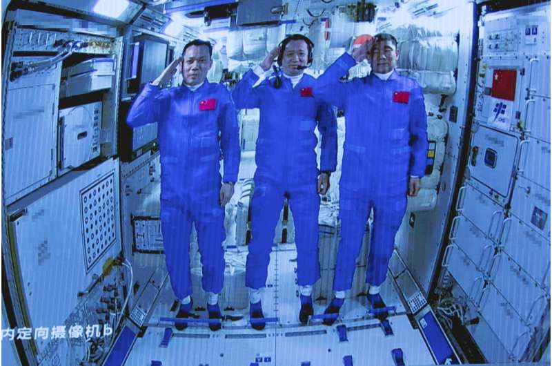 Chinese crew enters new space station on 3-month mission  - chinese crew enters ne - Crew starts making China's new space station their home