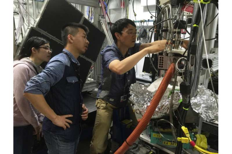 CityU scientists have discovered a breakthrough in solving the structural puzzle of glass.
