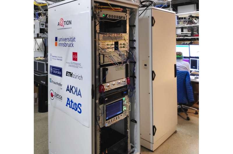 Compact quantum computer for server centers