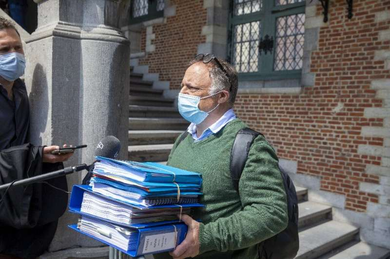 Court battles with his critics have taken up 400 hours of his time, says Van Ranst