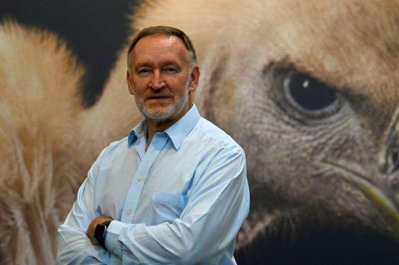 Craig Hilton-Taylor, jefe de la Unidad de la Lista Roja de la UICN.  La pérdida de hábitat, la sobreexplotación y el comercio ilegal han golpeado a globa