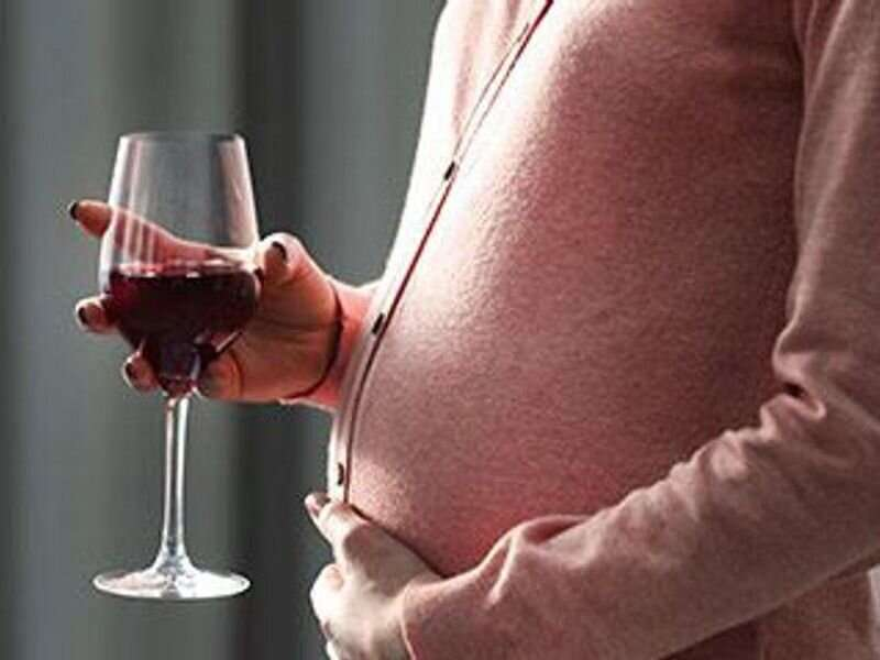 Drinking and smoking after first trimester may up late stillbirth
