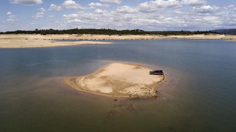 Drought saps California reservoirs as hot, dry summer looms
