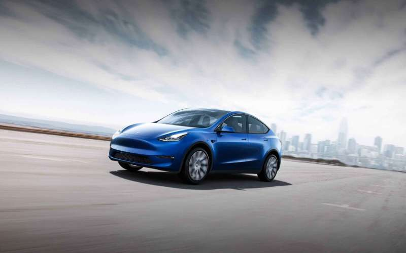 Edmunds: 2021 Ford Mustang Mach-E vs. 2020 Tesla Model Y