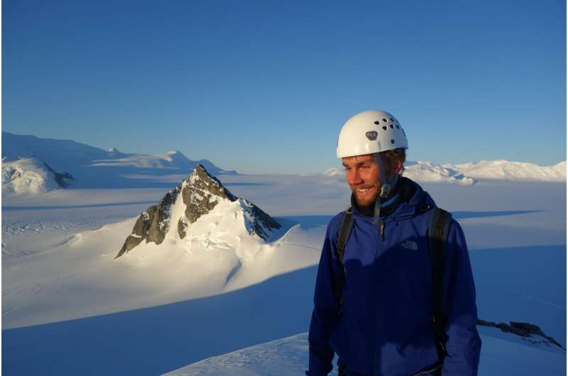 Evidence of Antarctic glacier's tipping point confirmed for first time