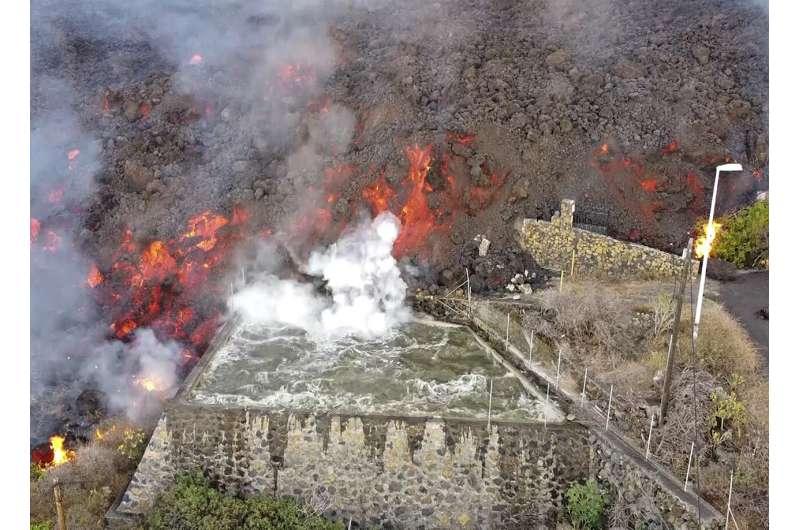 EXPLAINER: Wide dangers ahead for Spanish volcanic island