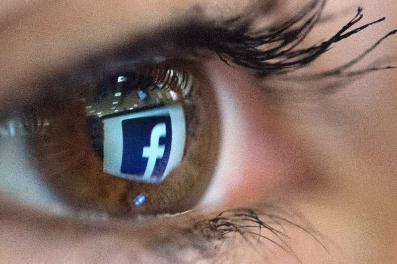 Facebook wants users' responses to improve feeds