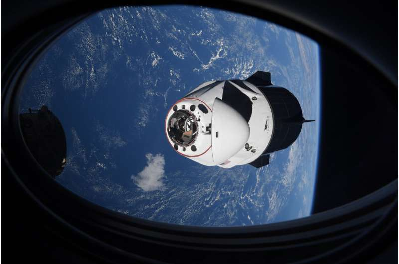 False alarm: No space junk threat after all to SpaceX crew