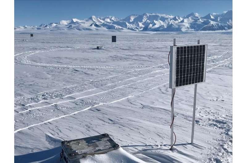 Fiber optic cable monitors microseismicity in Antarctica