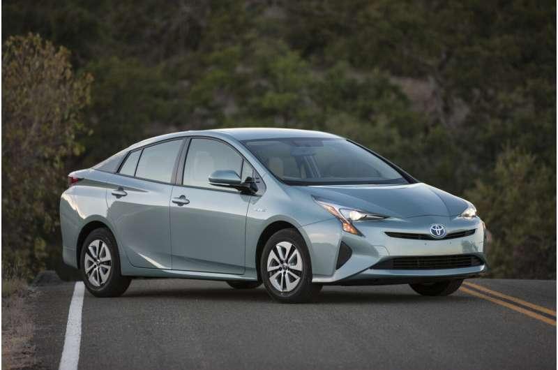 Five fuel-efficient used car picks under $25,000