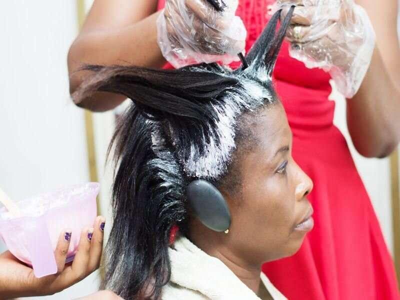 Formaldehyde in hair straighteners prompts FDA warning