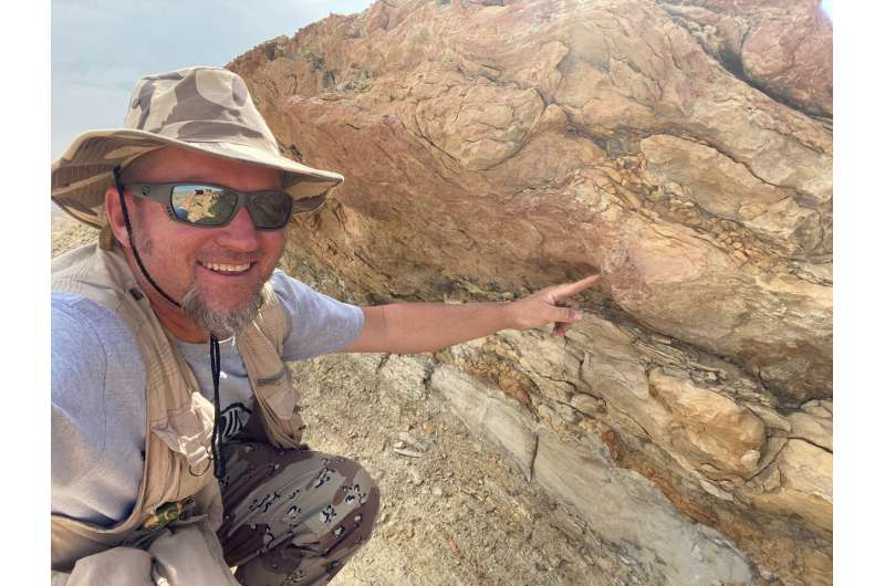 Fossilized tracks show earliest known evidence of mammals at the seashore