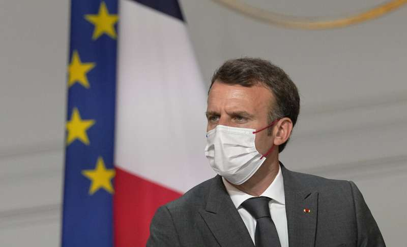 France rushes to get vaccinated after president's warning