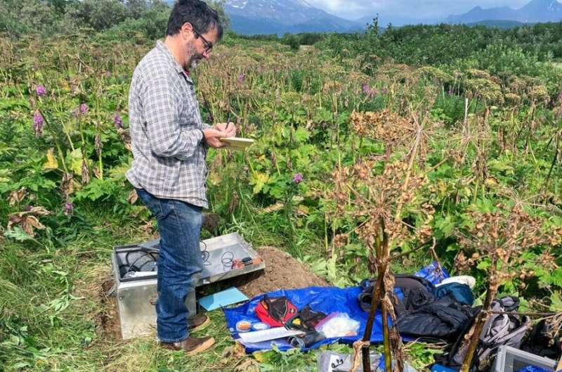 Geophysicist sprints to monitor quake aftershocks in Alaska