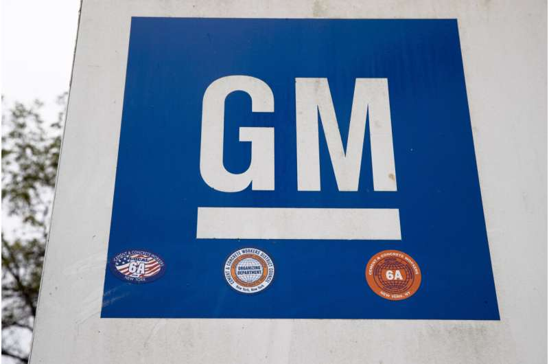 GM sets to double revenue, lead US in electric vehicle sales