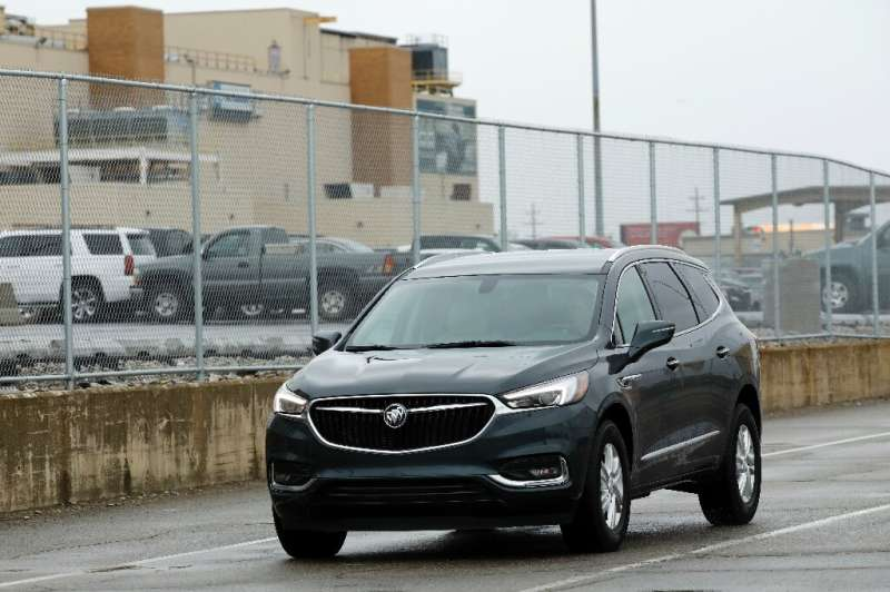 GM reported higher US sales in the first quarter, but inventories dwindled amid the industrywide semiconductor shortage