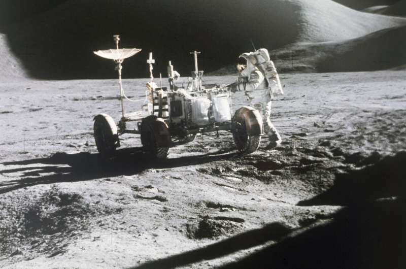 GM's newest vehicle: Off-road, self-driving rover for moon