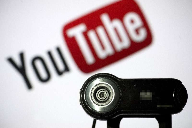 Hamburg music producer Peterson sued YouTube and its parent company Google for various songs and performances by soprano Sarah B