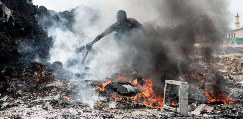 Health crisis: up to a billion tonnes of waste potentially burned in the open every year