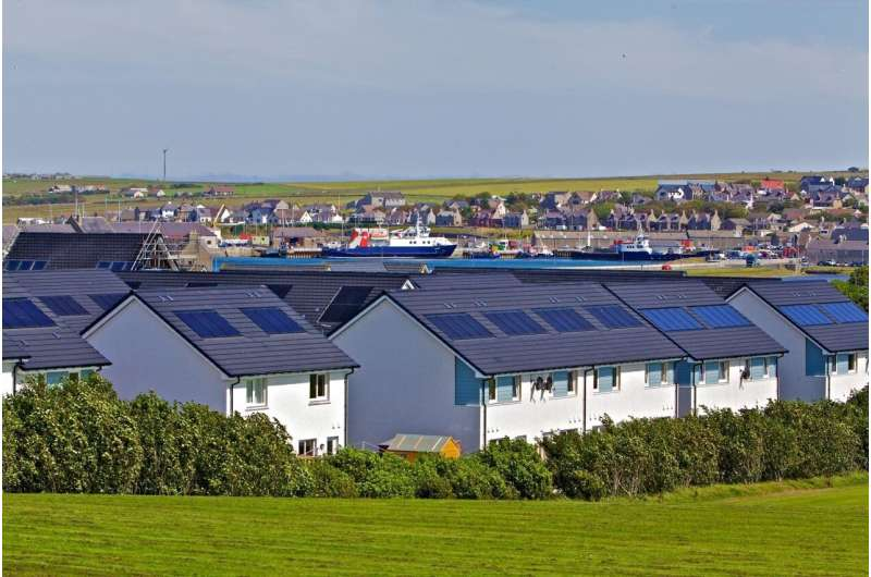 How to invest in a fairer and low carbon energy system