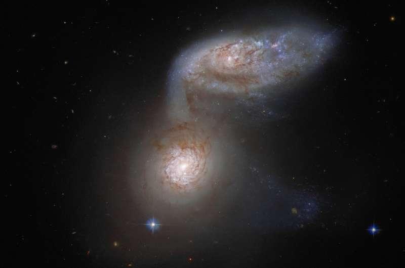 Hubble detects a dangerous galactic dance