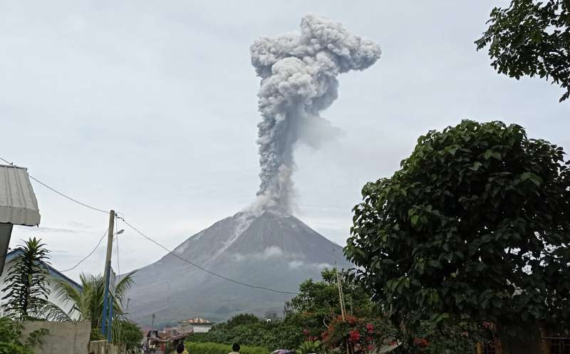 Indonesia's Sinabung spews column of volcanic ash into sky