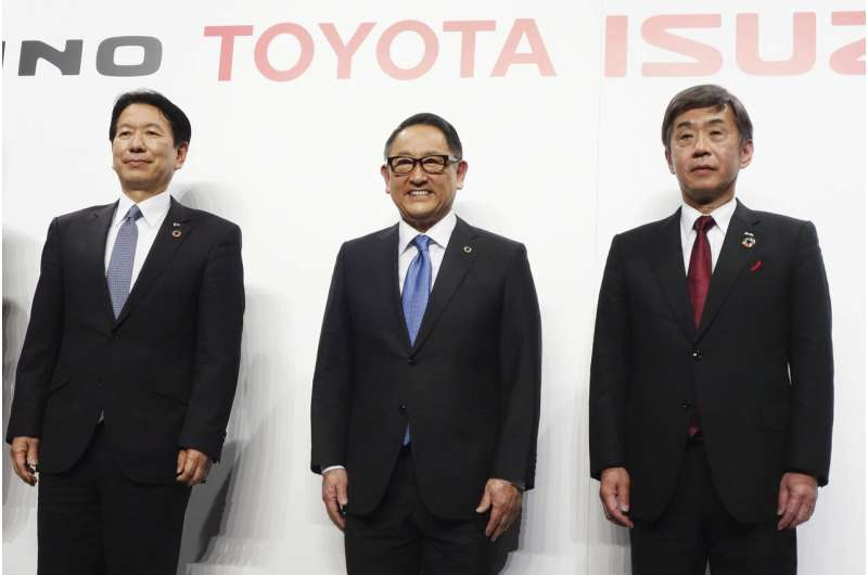 Japan's Toyota, Isuzu, Hino join in truck technology tie up