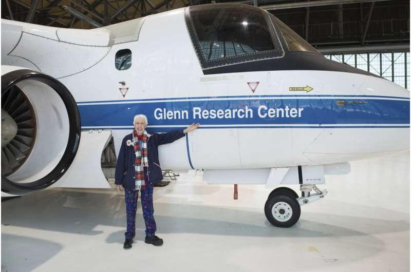 Jeff Bezos picks female aerospace pioneer to launch with him