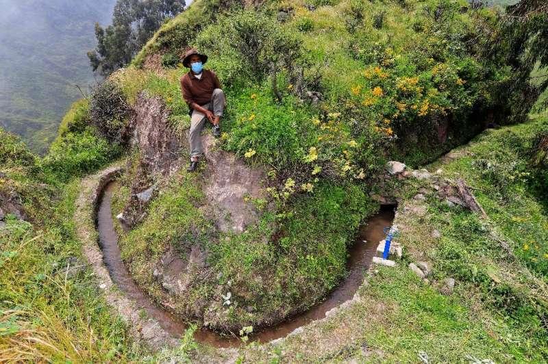 Conocido localmente como amunas, se cree que el sistema de retención de agua fue ideado por personas antiguas que vivieron aquí incluso antes.