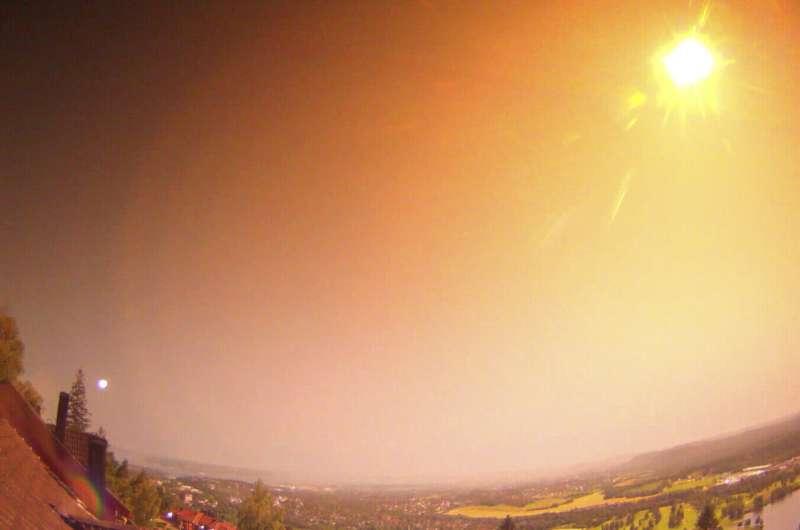Large meteor lights up skies in Norway