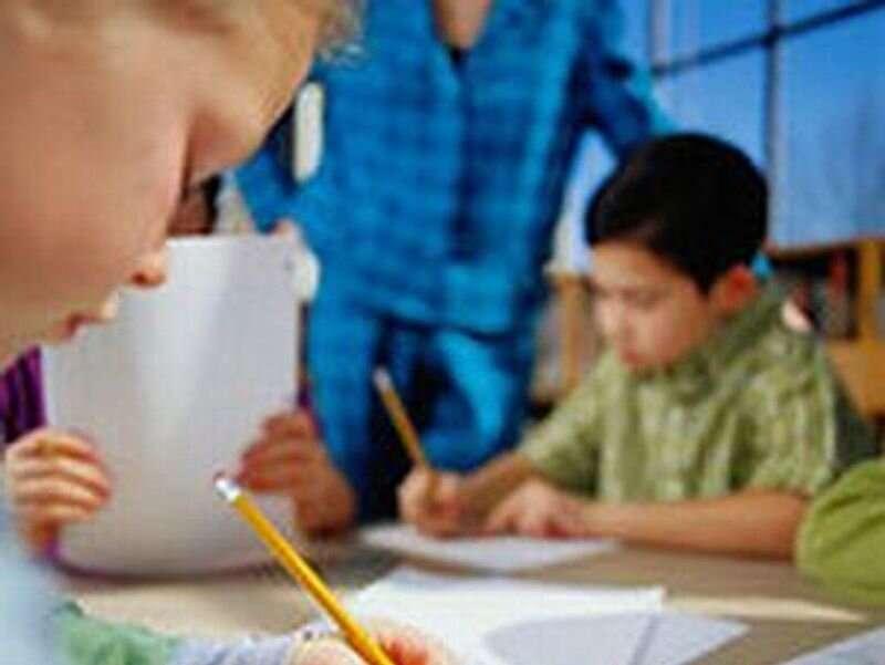 Largest U.S. teachers' union supports mandatory COVID vaccination