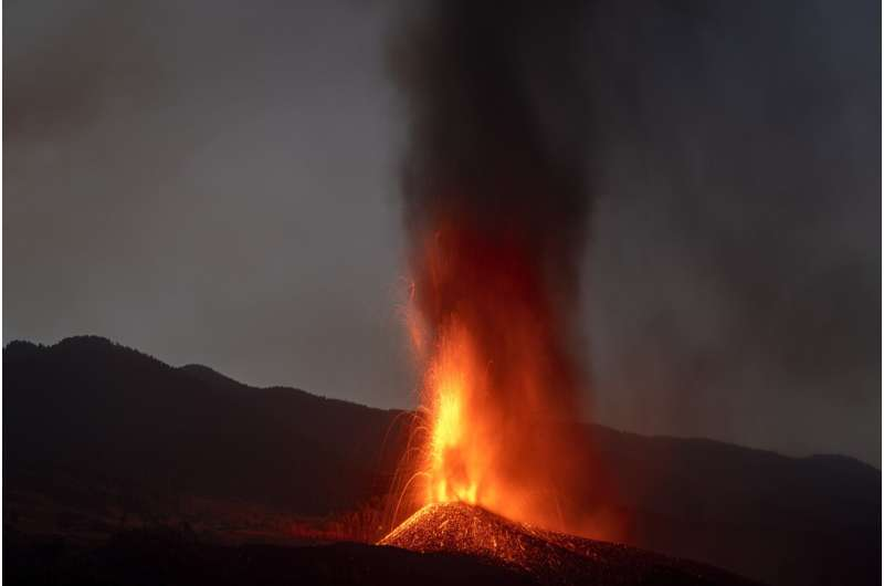 Lava spread raises fears of more damage on Spanish island