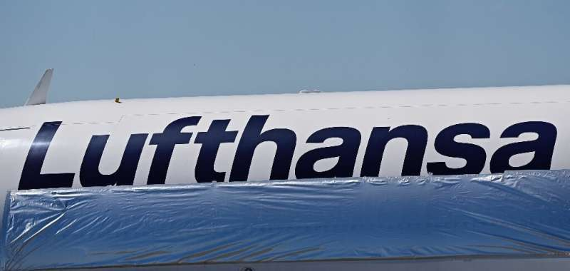Lufthansa is opening  to spot  up   its losses