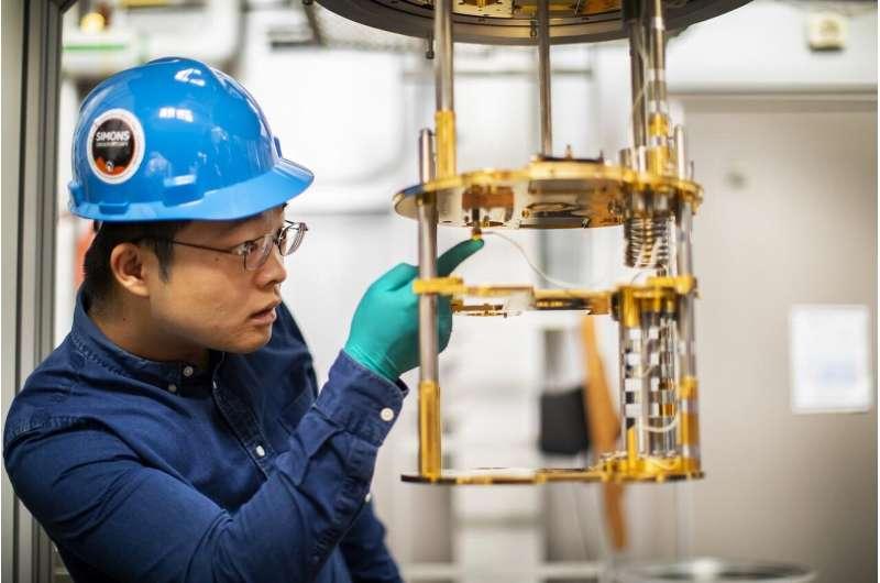 Metamaterial tiles boost sensitivity of large telescopes