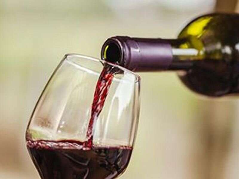 More frequent alcohol consumption ups risk for GI cancers