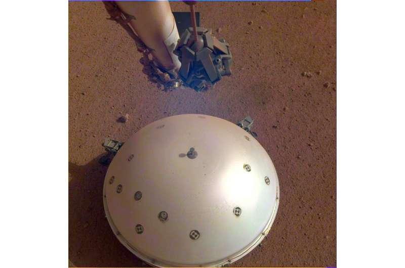 NASA's InSight Finds Three Big Marsquakes, Thanks to Solar-Panel Dusting