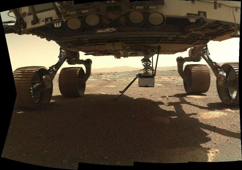 El helicóptero Mars Innovation de la NASA está montado en el vientre del rover persistente, que aterrizó el 18 de febrero.