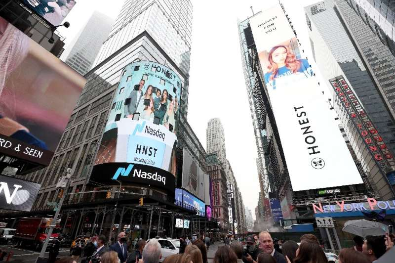 Nasdaq announced it is spinning off its exchange for private stock sales into a new venture that will be financed by Citi and ot