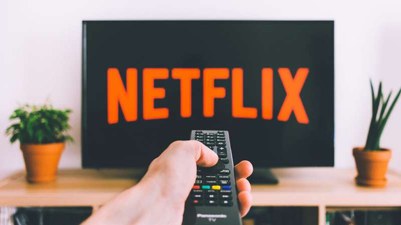 Netflix commits to local productions to continue leading the streaming platform market