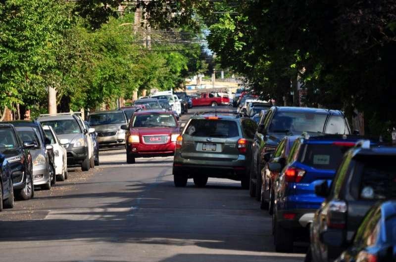 New algorithm may help autonomous vehicles navigate narrow, crowded streets