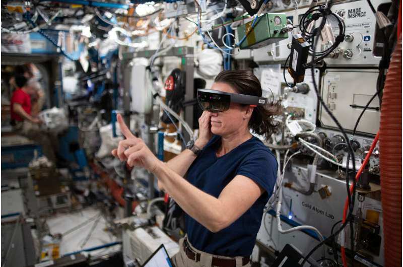 New Augmented Reality App Helps Fix Space Station Astronauts