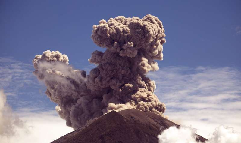 New knowledge of Earth's mantle helps to explain Indonesia's explosive volcanoes