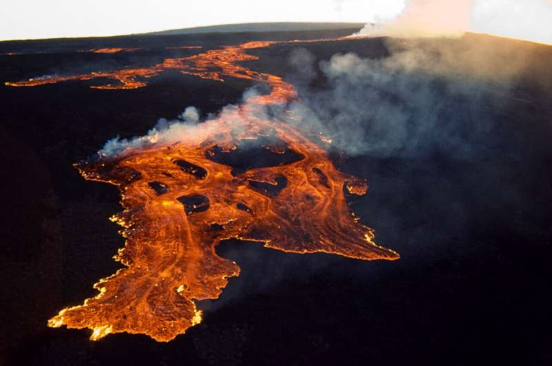 New study shines light on hazards of Earth's largest volcano